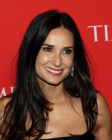 Demi Moore hot young p...